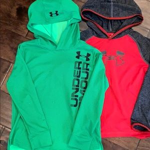 Boys small Longsleeve under Armour